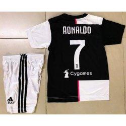 Футбольная форма 2020, Ювентус, Роналдо
